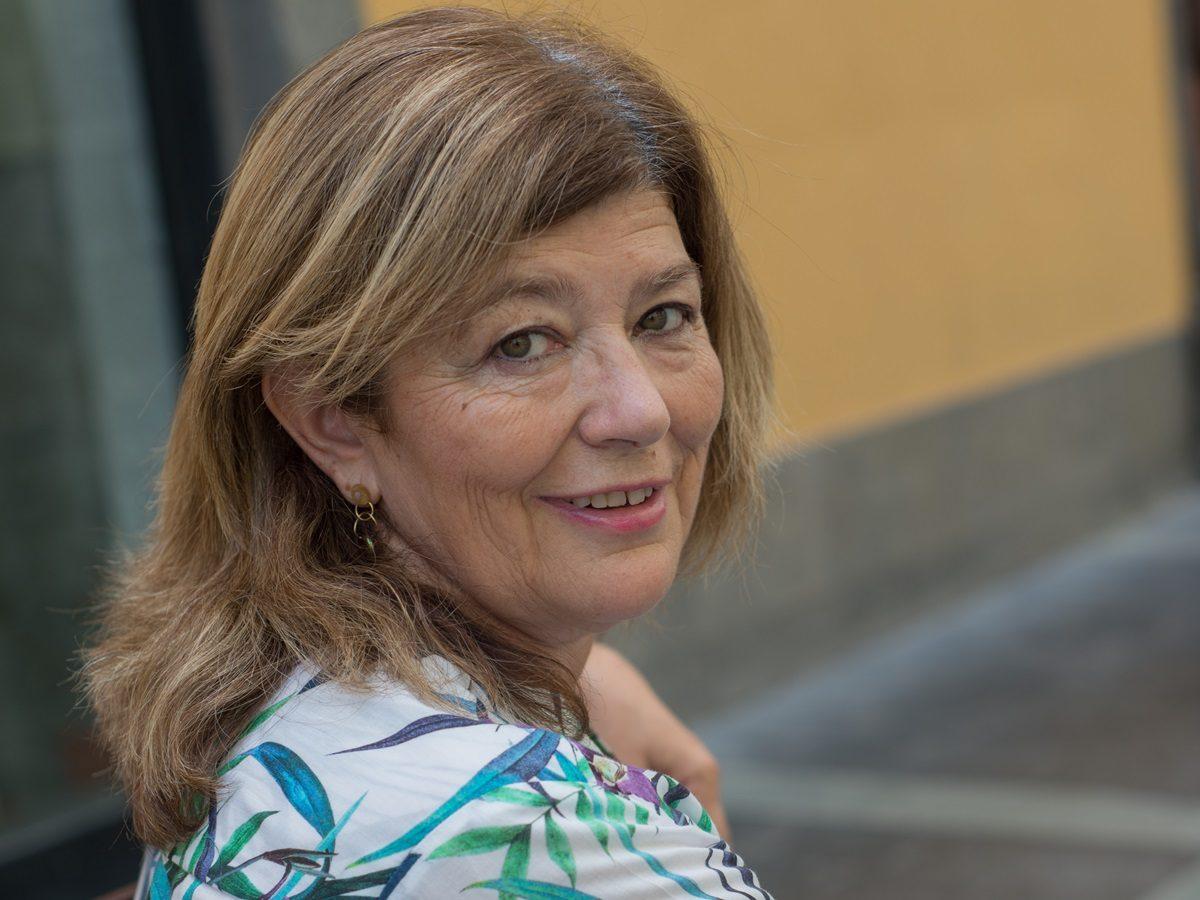 ANA LARRAZ GALE | Escritora